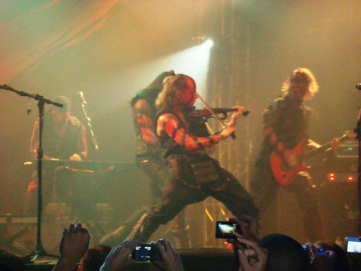 Turisas: mudança em local de show no RIO. Adicionados pontos de vendas em Curitiba e SC
