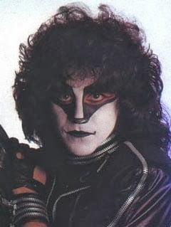 ESPECIAL ERIC CARR: 22 anos sem o baterista mais marcante do Kiss