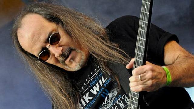 Read more about the article Golpe de Estado: morre o guitarrista Hélcio Aguirra, aos 56 anos