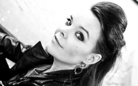 Anette Olzon: capa do primeiro álbum solo da ex-vocal do Nightwish