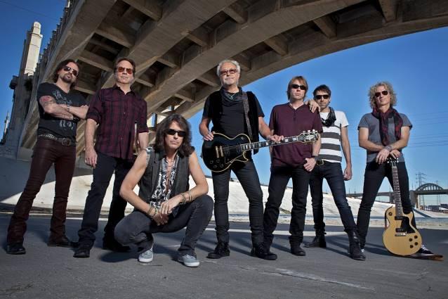 Foreigner: banda homenageia seu disco de maior sucesso em novo álbum ao vivo