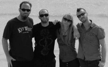 """Holy Moses: capa e track list de """"Redefined Mayhem"""", novo disco do grupo"""