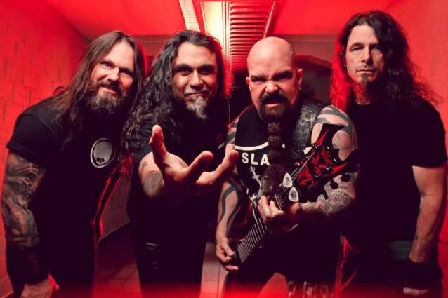 Read more about the article Slayer: veja novas fotos da banda em estúdio
