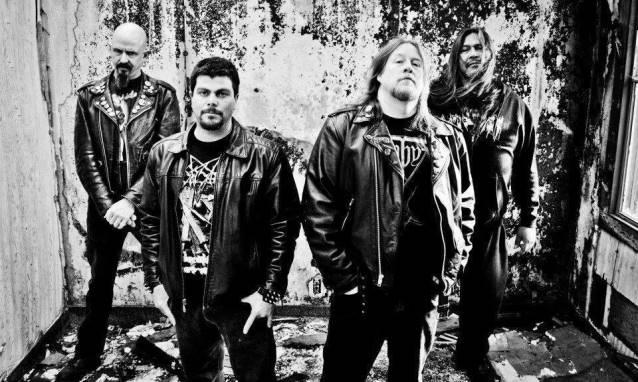 """Autopsy: grupo libera a inédita """"The Howling Dead"""" para audição"""