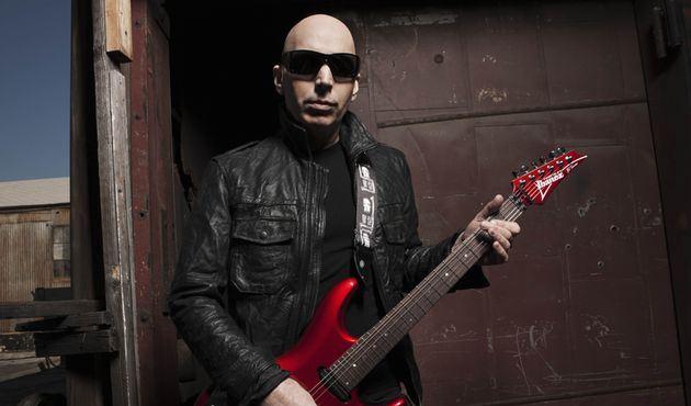 Read more about the article Joe Satriani: box com todos discos de estúdio do guitarrista sai em abril