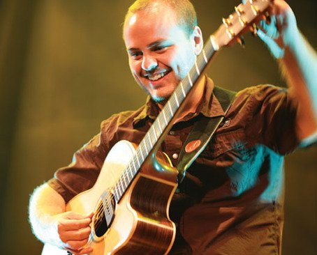 Read more about the article Andy McKee: ingressos à venda para os shows no Brasil
