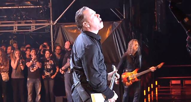 """Read more about the article Metallica: vídeo oficial da performance de """"Lords of Summer"""" na Colômbia"""