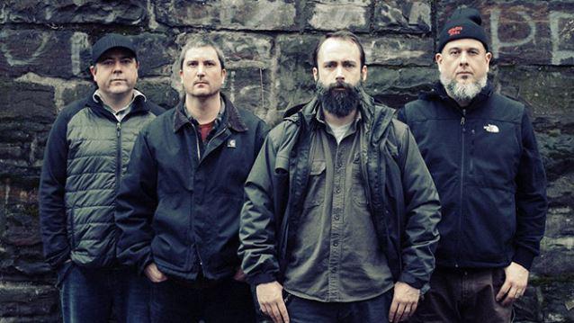 Clutch: álbum mais recente do grupo ganha versão tripla