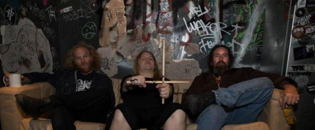 "Corrosion of Conformity: lançado clipe para a música ""On Your Way"""
