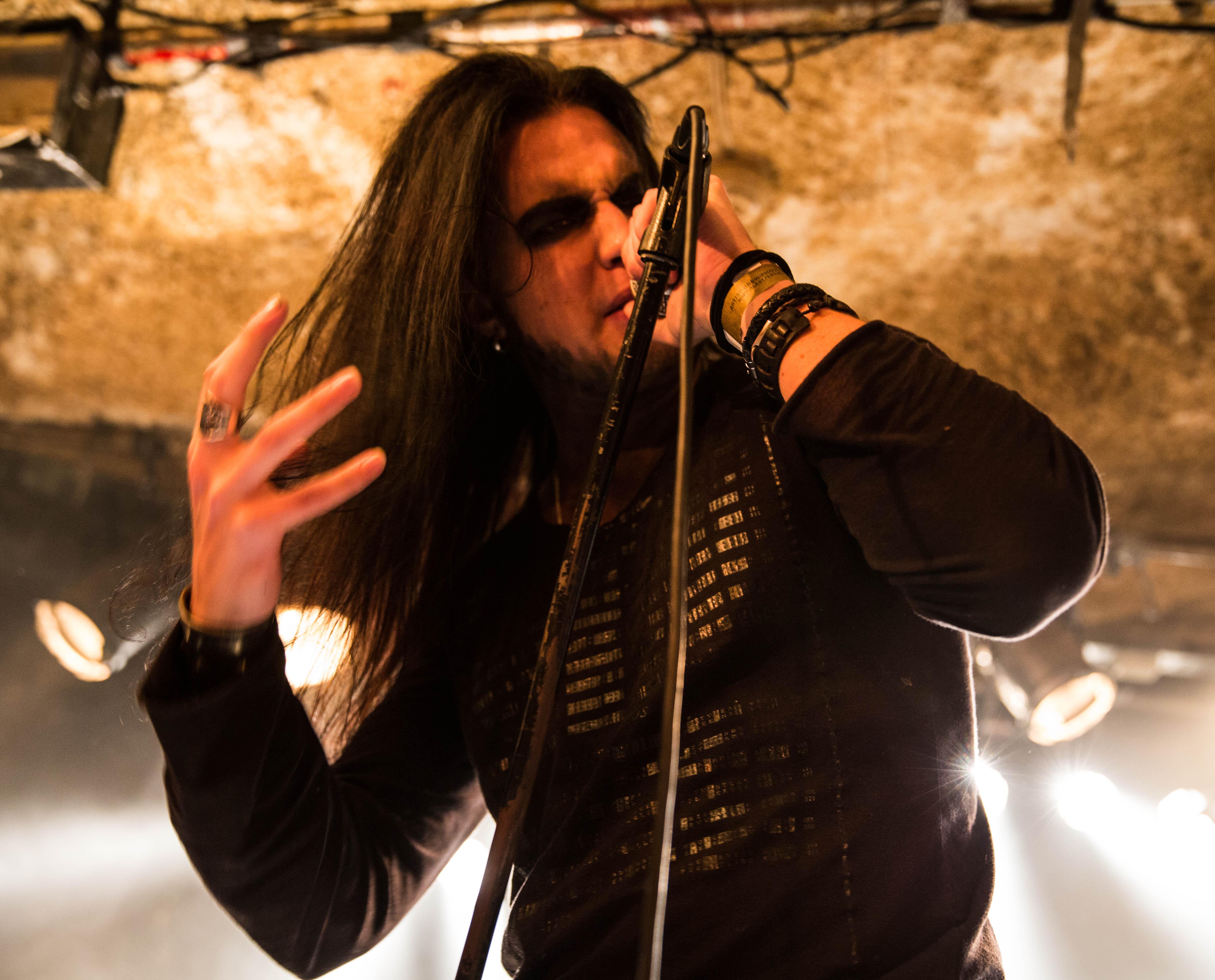W, vocalista do Woland, no Blastfest 2014 (foto: Fabiola Santini)