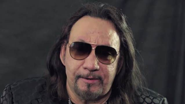 "Ace Frehley: ouça ""Gimme A Feelin'"", primeiro single do novo álbum"