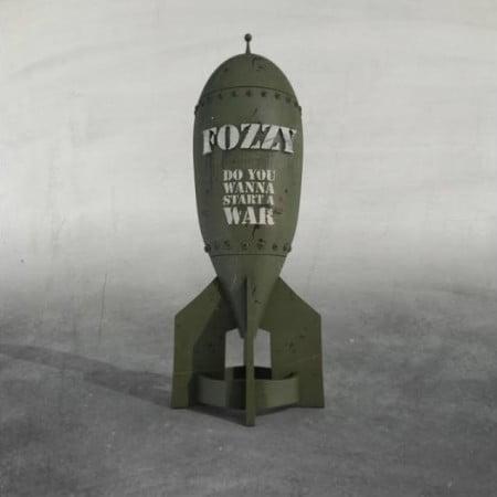 """Capa de """"Do You Wanna Start a War"""", o novo disco do Fozzy"""
