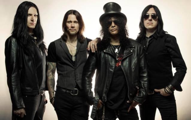 Slash: novo álbum do guitarrista liberado para audição completa
