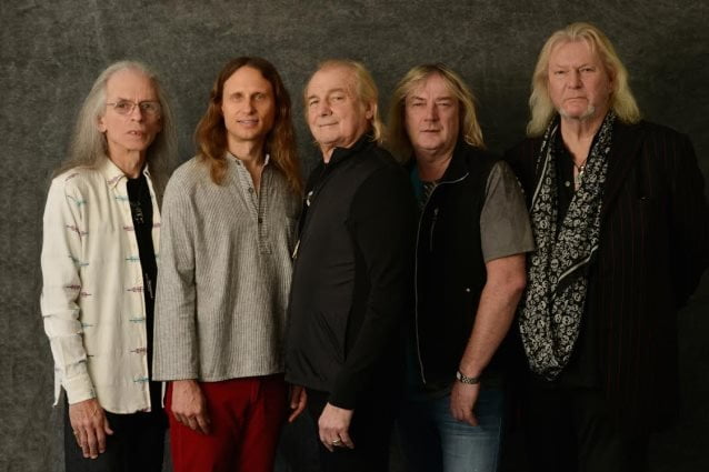 "Yes: capa e track list do novo álbum, ""Heaven & Earth"""