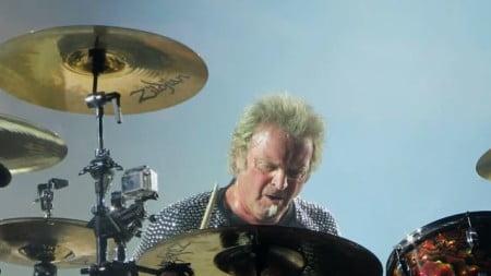 Aerosmith: problema cardíaco do baterista força cancelamento de show