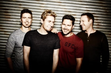 "Nickelback: novo single, ""Edge of a Revolution"", ganha lyric video"