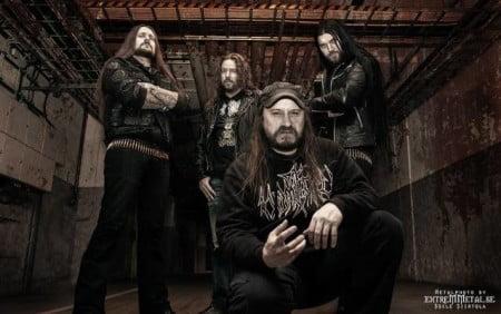 Fireborn: projeto com membros do Entombed, Unleashed e Necrophobic anuncia baterista