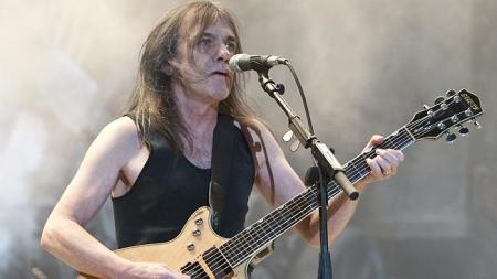 AC/DC: família de Malcolm Young confirma que músico sofre de demência