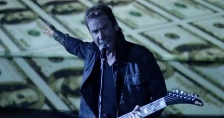 "Nickelback: novo clipe, para ""Edge of a Revolution"", está online"