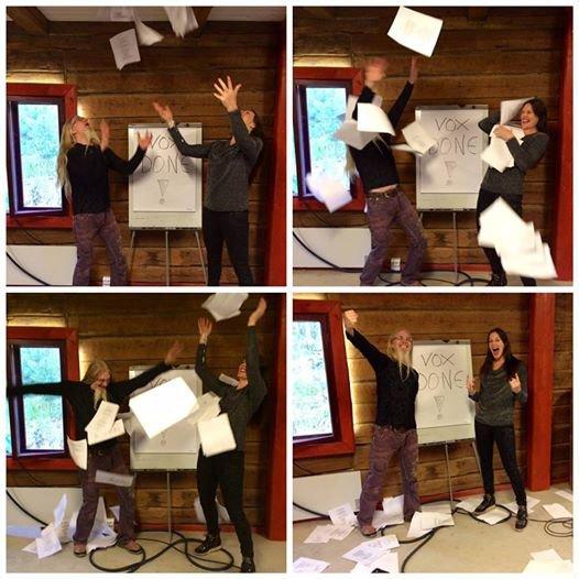 Marco e Floor comemoram o fima das gravações dos vocais para o novo disco (Foto: divulgação)