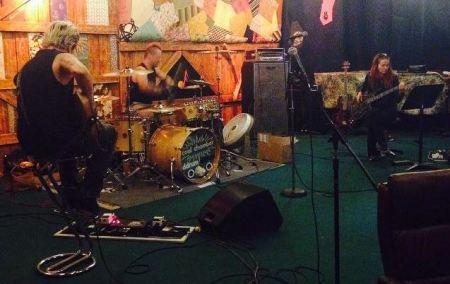 Coal Chamber em estúdio (Foto: divulgação)