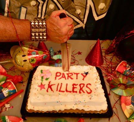 """Capa de """"Party Killers"""", álbum de covers do Raven"""