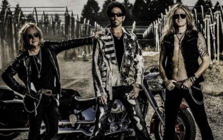 Revolution Saints: projeto de membros do Journey, Night Ranger e ex-Whitesnake finaliza debut