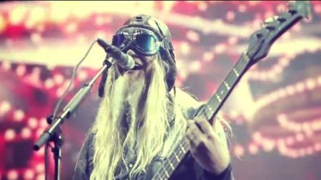 "Nightwish: clipe ao vivo para a música ""Last Ride of the Day"""