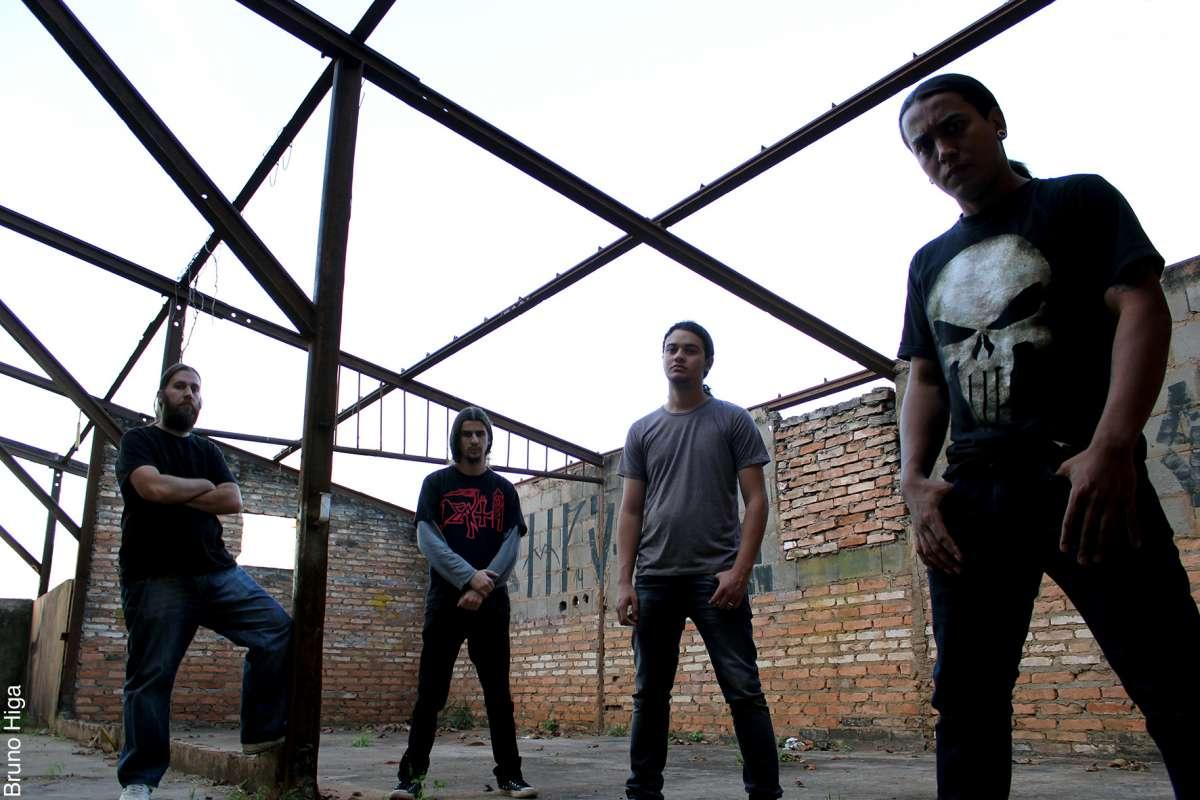 """Hellmotz: pensando """"fora da caixa"""" em arte do novo álbum"""