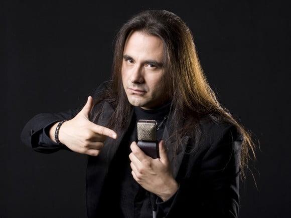 André Matos: vocalista comemora 30 anos de carreira no Aquarius Rock Bar neste sábado