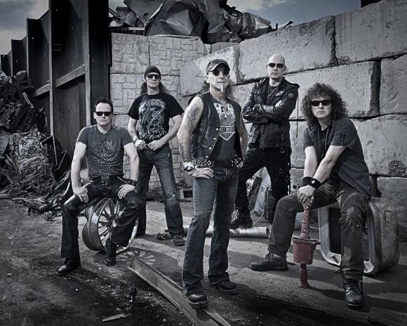 Read more about the article Accept: vocalista Mark Tornillo entrevista Rob Halford