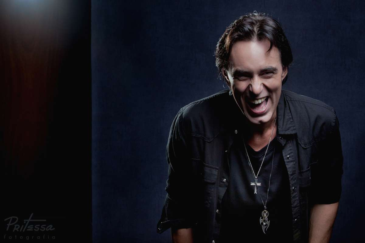 """Alírio Netto: com estreia em março, musical """"We Will Rock You"""" inicia venda de ingressos"""