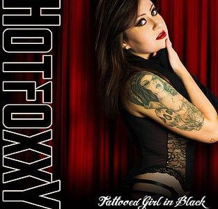 Hot Foxxy – Tattooed Girl In Black