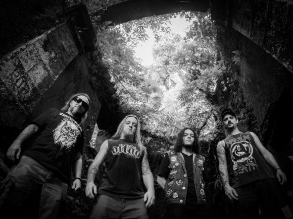 "Claustrofobia: banda lança oficialmente novo álbum e lyric video de ""Download Hatred"""