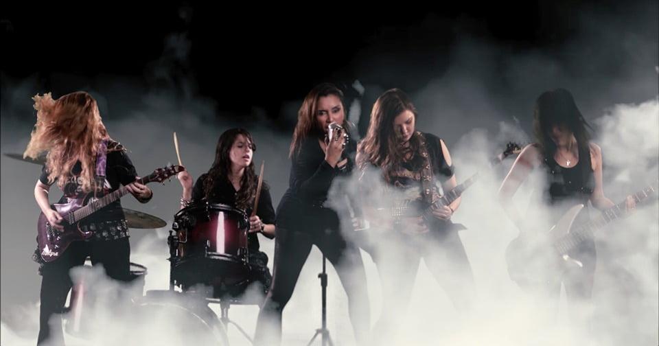 """Saindo da escuridão, Melyra lança clipe de """"Fantasy"""""""