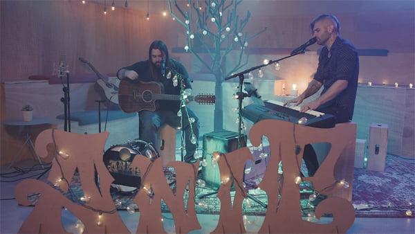 ANIE lança vídeo com músicas inéditas em português gravado no Estúdio Som Livre