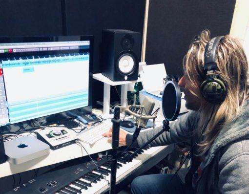 Edu Falaschi inicia processo de composição de novo álbum de inéditas