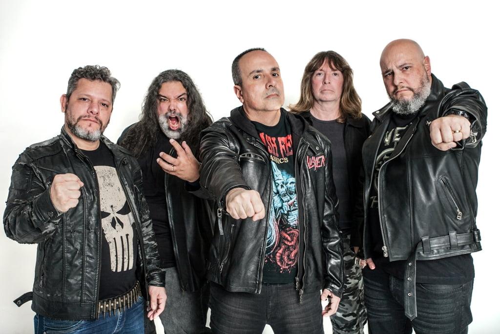 One Of Them: Guitarrista concede entrevista para o site Road To Metal