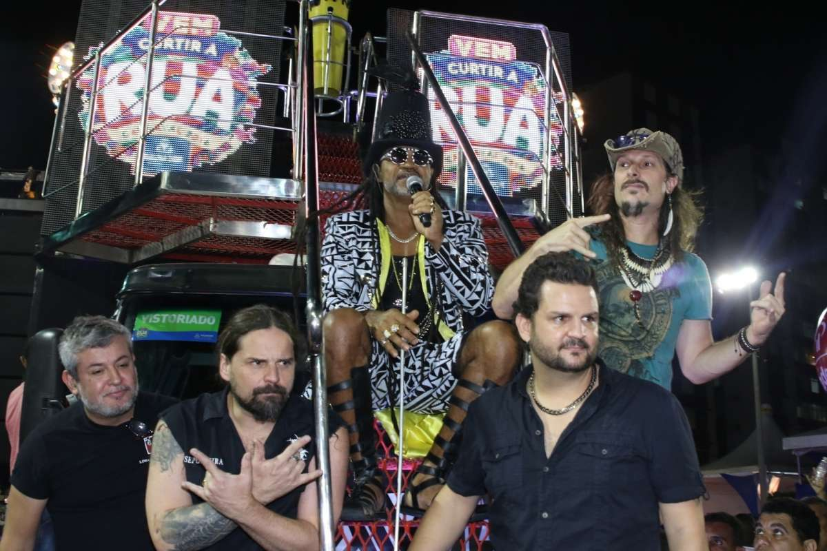 Read more about the article Carnaval & Heavy Metal