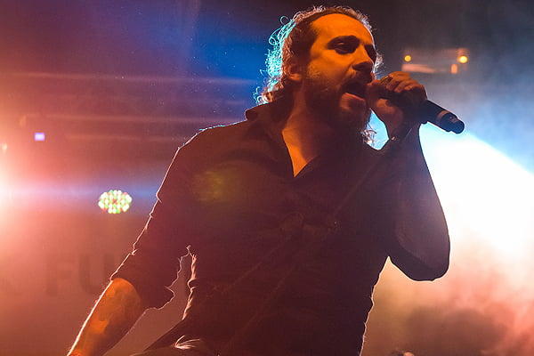 "Leandro Caçoilo divulga vídeo tributo para ""Hall Of The Mountain King"" do Savatage"