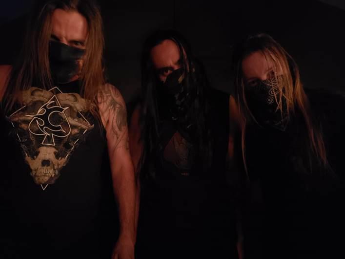 """Claustrofobia: banda libera terceiro vídeo em """"Quarantine Sessions"""""""