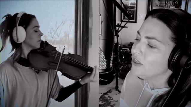 Evanescence: Amy Lee se reúne com a violinista Lindsey Stirling e lança versão quarentena de 'Wasted On You'