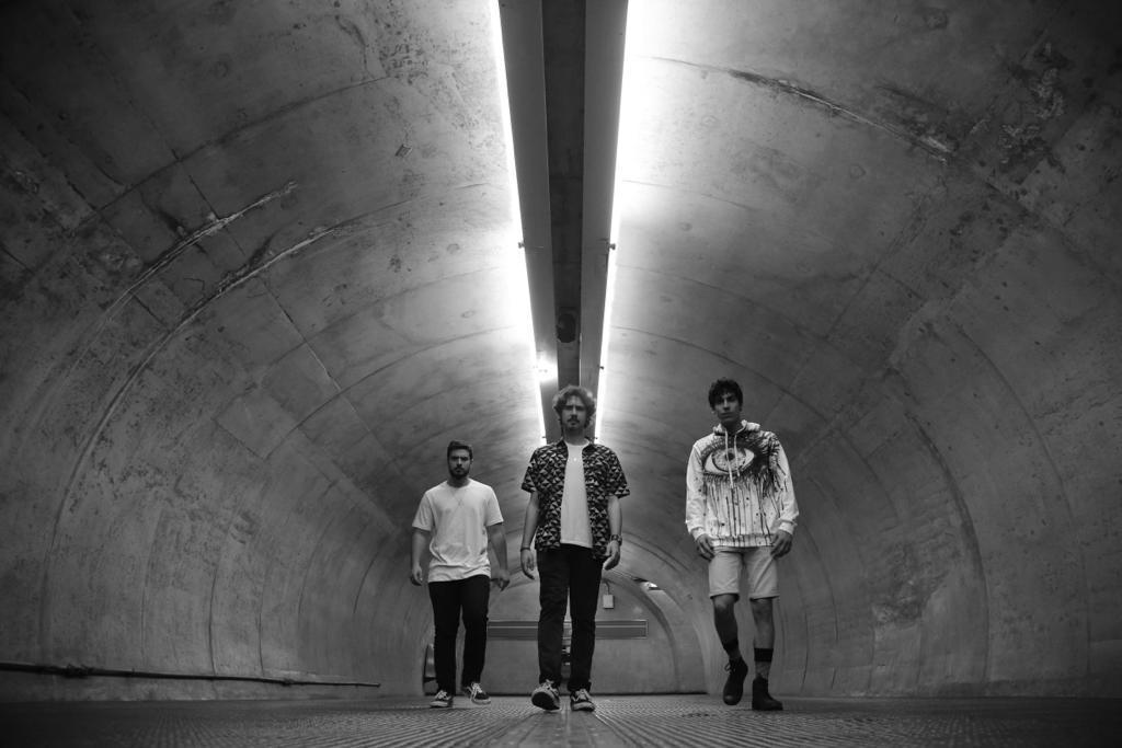 Read more about the article Arte Kerosene destaca o groove na nova música Qual é a sua?