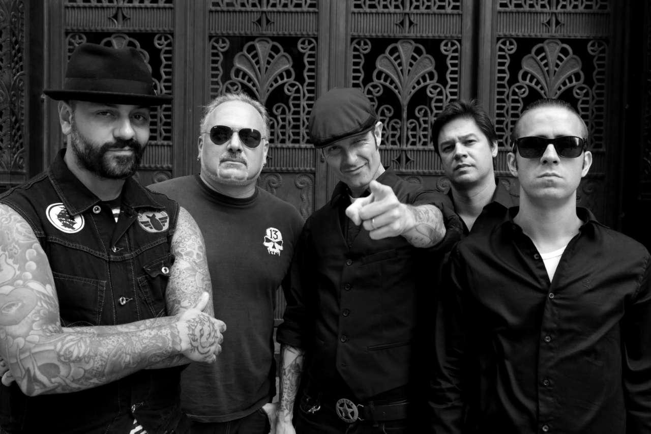 "Read more about the article Armada resgata a essência do punk na inédita ""Os Ratos"""