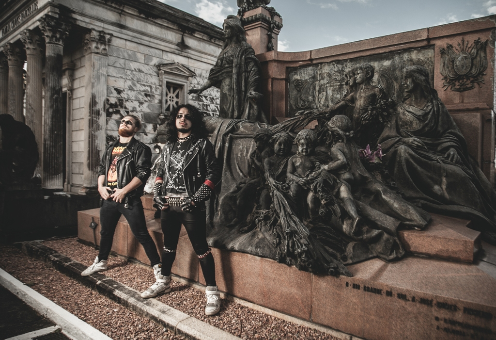 Evilcult: Primeiro vídeo clipe é lançado focando na estética visual do Heavy Metal