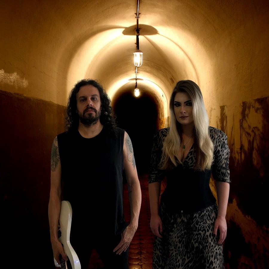"""Distorted Duo lança lyric vídeo de """"Wildfires"""" e disponibiliza pré-venda de seu álbum de estreia"""