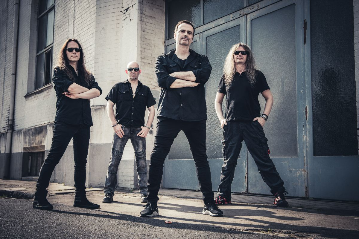 """Read more about the article Blind Guardian lança single e vídeo para """"Merry Xmas Everybody"""""""