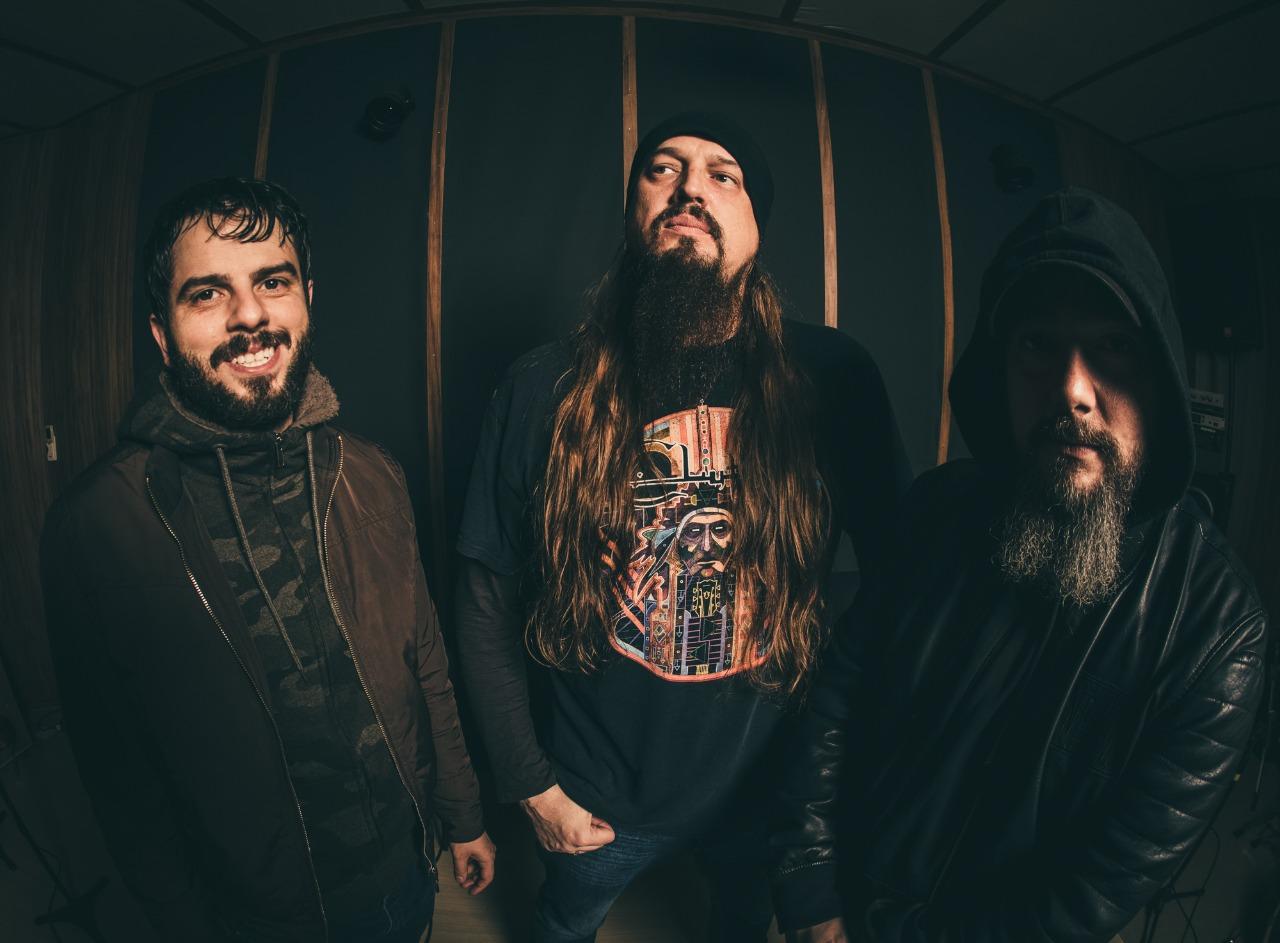 """Macumbazilla: confira trecho da versão criada para a faixa """"Expandable Youth"""" do Slayer"""