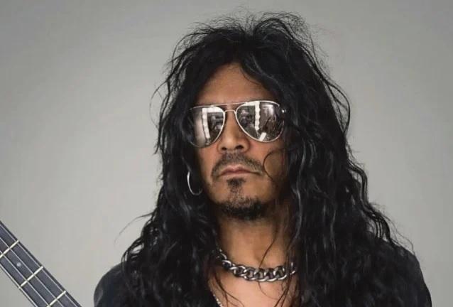 King Diamond: O ex-baixista, Hal Patino, está aberto para a turnê de reunião do time 'Them': 'Seria muito legal voltarmos juntos'