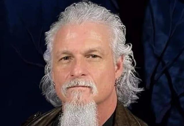 Iced Earth: Advogados do governo pedem ao juiz que negue a fiança de Jon Schaffer.